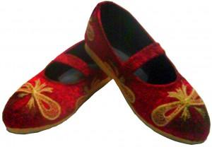 sepatu bordir anak pita merah